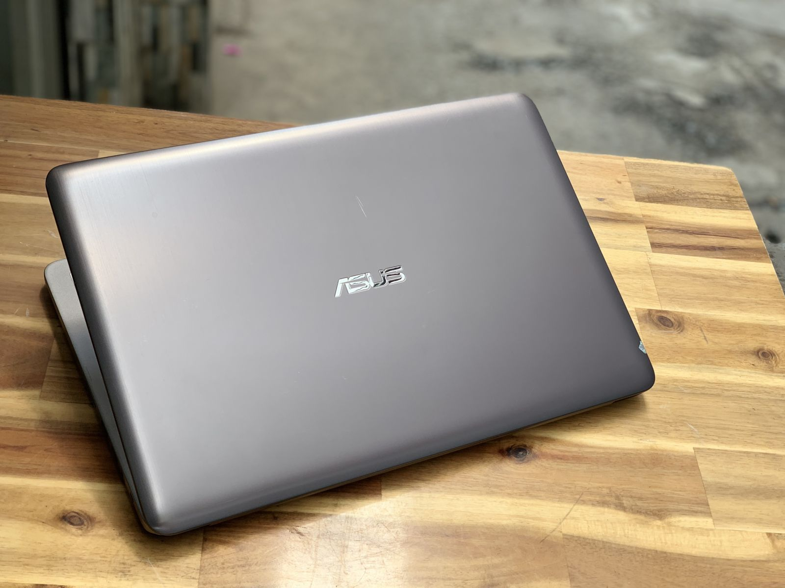 Laptop Asus K501LB, i5 6200U 4G 1000G Vga 940M Full HD Like new Giá rẻ5
